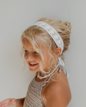 Load image into Gallery viewer, Flower Lace Hand-Crocheted Headband