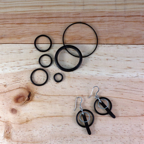 Banshy- Design recycled earrings, stainless steel ,O-rings, inner tube-Earring upcycled- accessories from the sea- bijoux inspiré de la mer- dive wear-dive accesories - sea brand- bijoux recyclés- boucles d'oreilles recyclés- zero waste-consommer autrement