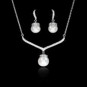 Set de Perla con Diamante 0.43 quilates Oro 14K