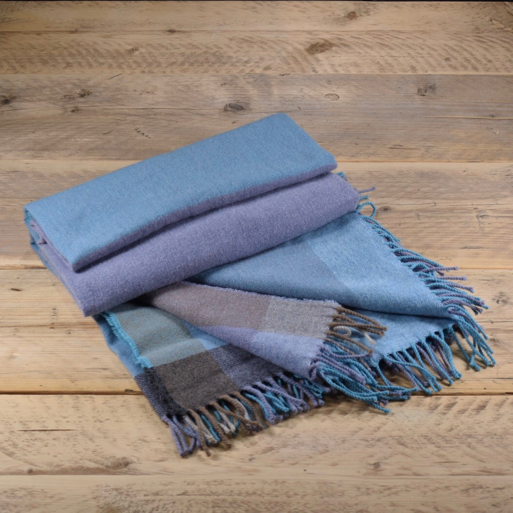 Block colour merino wool throw - Cadiz