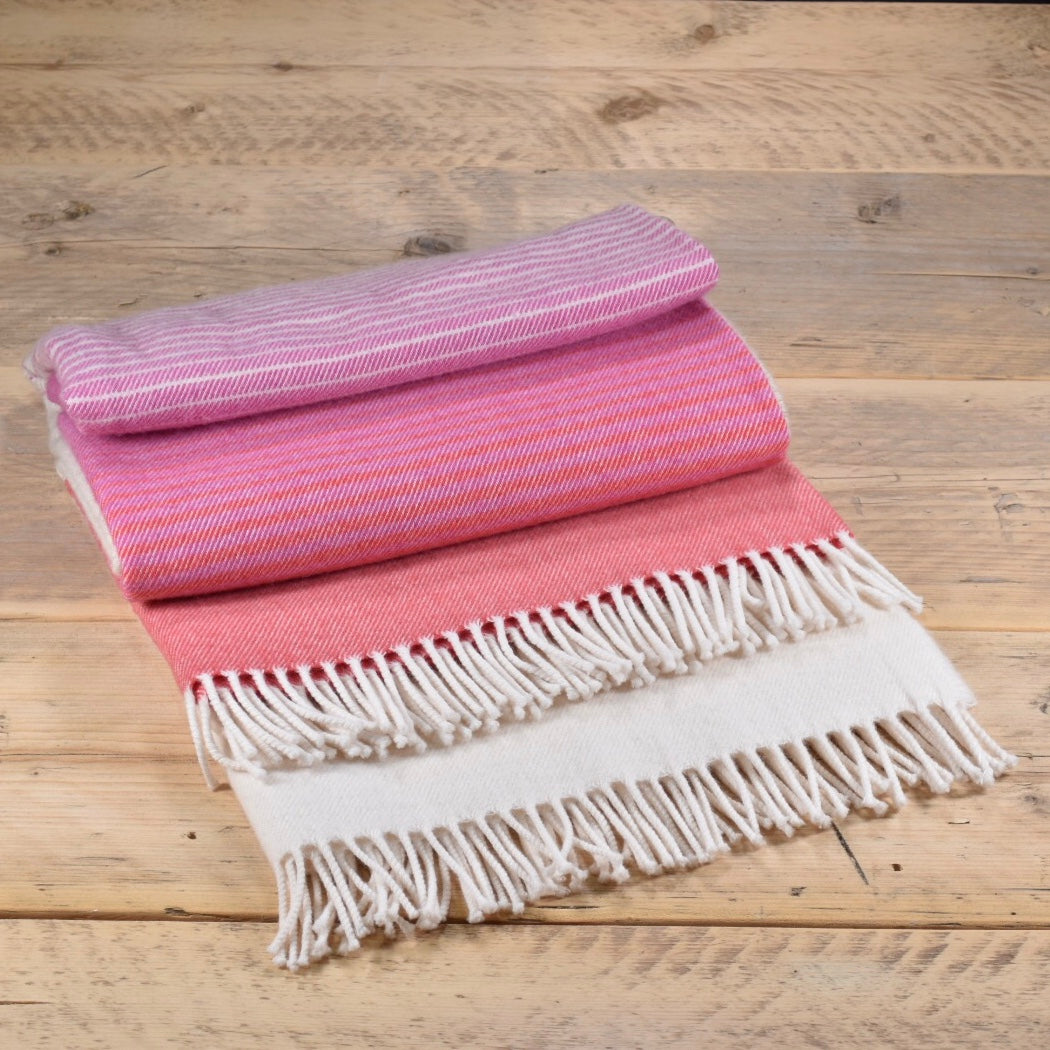 Ombre merino wool throw - Fuchsia