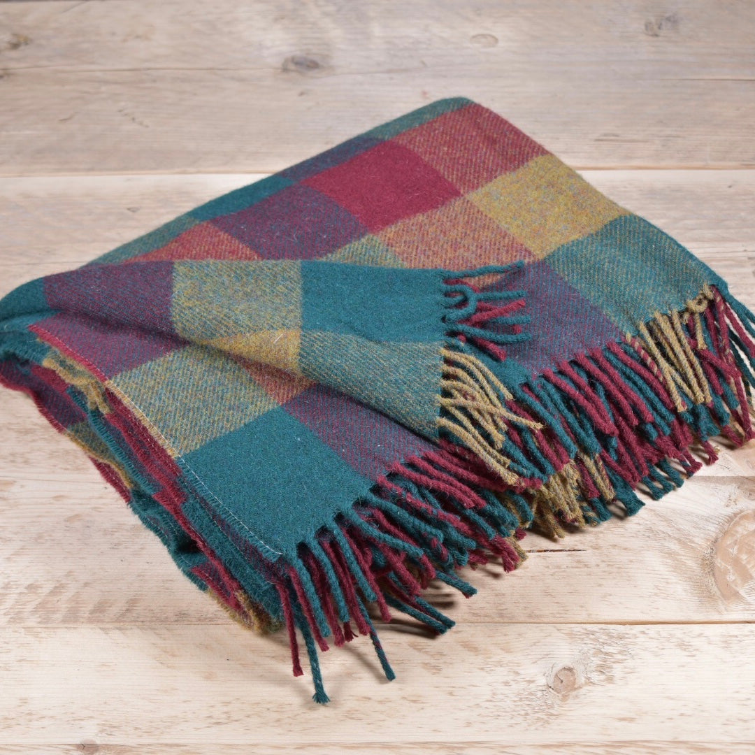 Pine and redcurrant block wool throw