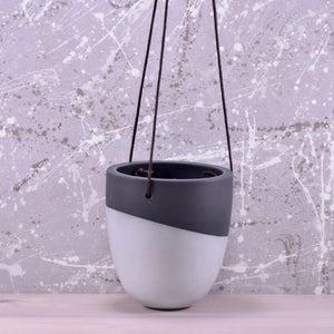 Bobbin hanging planter