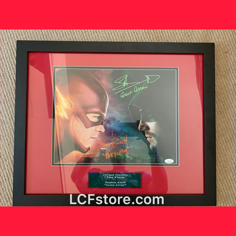 The Flash and Green Arrow signed 11x14 photo