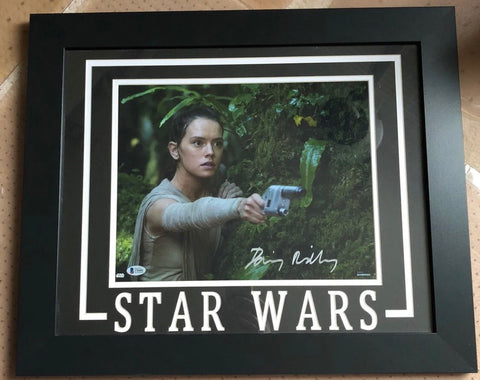 Star Wars Daisy Ridley autographed Framed Photo