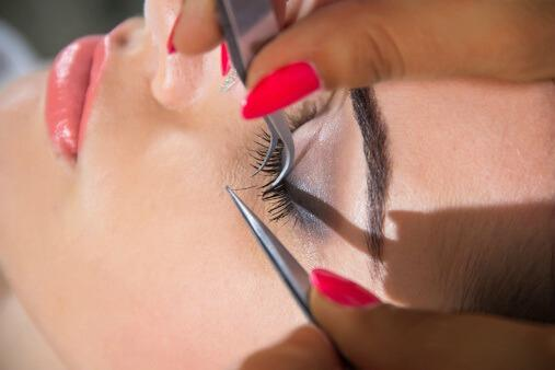 Natural Eyelash Extentions