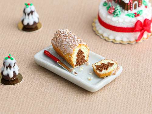Hidden Christmas Tree Cake (Chocolate) - Miniature Food