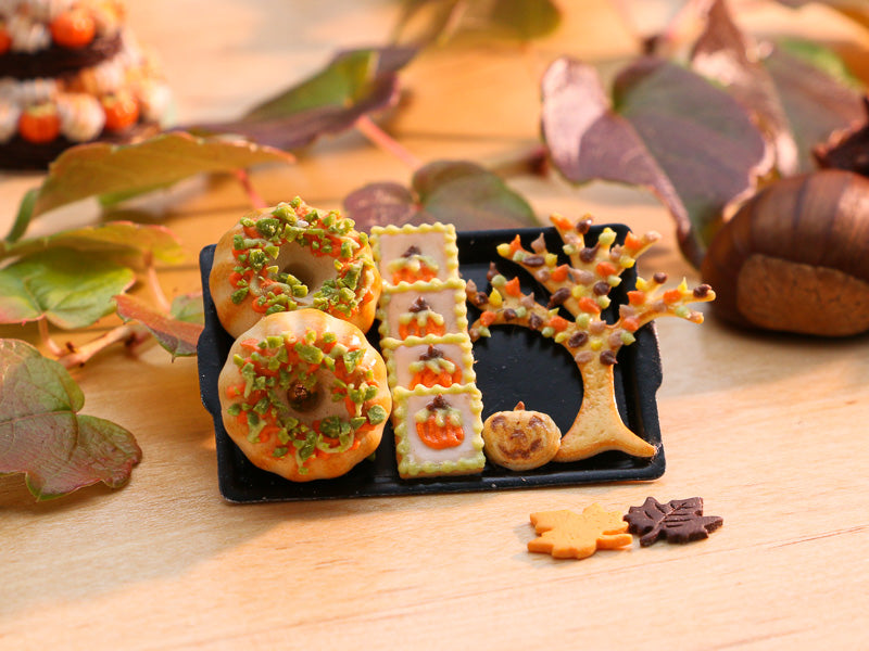 Brioche and Cookies for Autumn / Halloween on Black Tray - Miniature Food