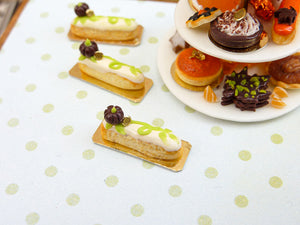 Pumpkin Patch Eclair - 12th Scale French Miniature Food