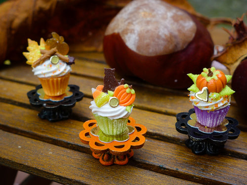 Autumn Showstopper Cupcake - Black Cat, Candy Corn, Pumpkin
