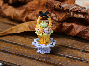 Autumn Showstopper Cupcake - Colourful Pumpkins in Basket (A)