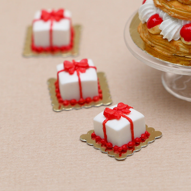 Christmas Present Gift Pastry - 12th Scale Miniature Food