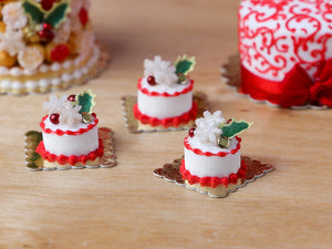 Christmas Cake Pastry (Round) Holly and Snowflakes - Miniature Food