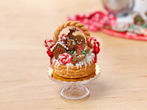 Christmas Basket Cake Filled with Gingerbread Treats - Miniature Food