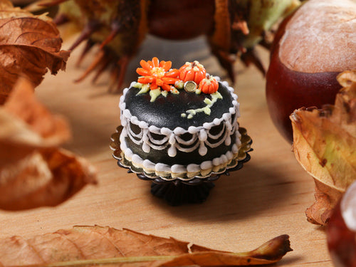 Classic Black Miniature Cake Decorated with Marguerite, Pumpkins, for Autumn / Halloween - 12th Scale Miniature Food