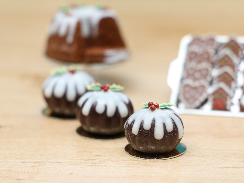 Christmas Pudding Decorated with Holly - Miniature Food