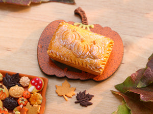 Farmhouse Baked Closed Pie with Pumpkin Decoration for Autumn / Halloween - Miniature Food