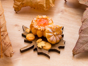 Autumn Pumpkin-Shaped Brioche on Leaf-Shaped Board | Miniature Food