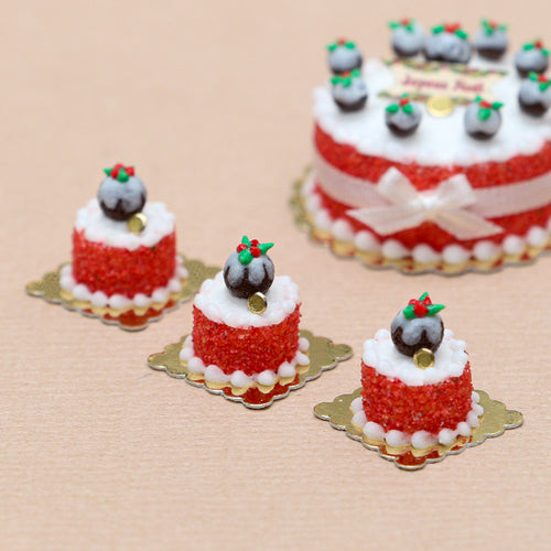 Genoise Cake Decorated with Tiny Christmas Pudding - Miniature Food