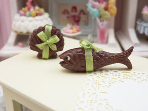 French Easter Chocolates Fish, Scallop Shell (Coquille St Jacques, Poisson) - Green Ribbon