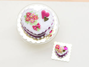 "Le Valentin ""Blossom Bouquet"" Cake - Limited Edition Valentine's Day Miniature Cake in Pink or Red"