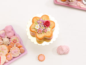 Flower Shaped Millefeuille Cream-Filled Sablé decorated with Pink Rose & Blossoms