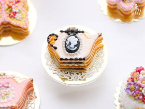 Pink Cookie Teapot-shaped Millefeuille with Black and White Cameo Decoration - Miniature Food