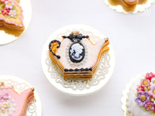 Load image into Gallery viewer, Pink Cookie Teapot-shaped Millefeuille with Black and White Cameo Decoration - Miniature Food