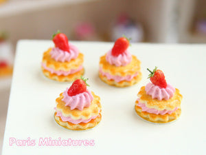 French Sablé Chantilly Fraises - Strawberry and Cream Shortbreads Miniature Food