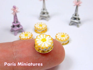 French Sablé Chantilly Marguerite - Cream-Filled Daisy Cookie – Handmade Miniature Food