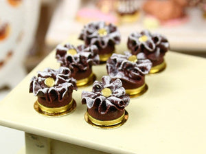 Feuille d'Automne - French Chocolate Ruffle Cake - Small Version - Miniature Food