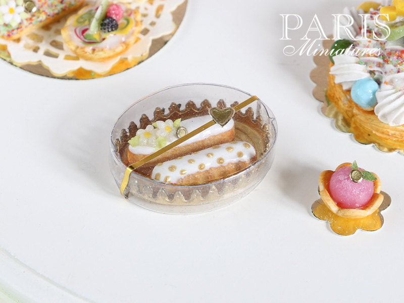 Patissier Gift Box of French Eclairs (White) - Miniature Food