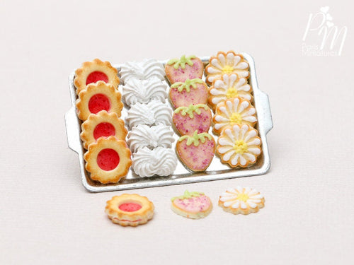 Strawberry and Cream Treats on Tray (Cookies, Meringues...) - 3 Extra Loose - Miniature Food
