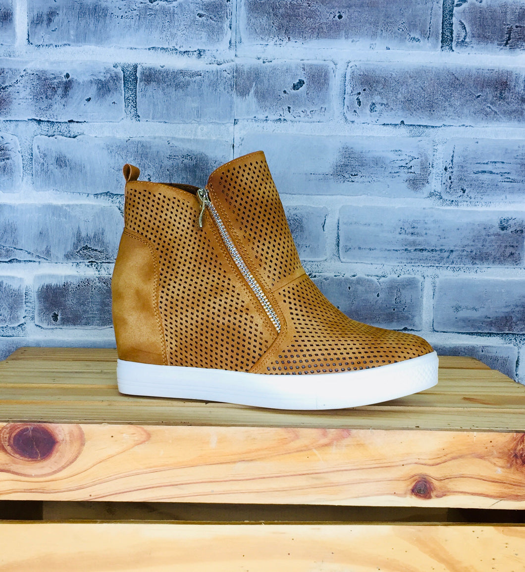 Antonio Sneaker Wedge Bootie BROWN
