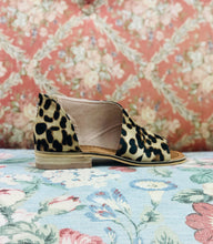Load image into Gallery viewer, Adele Flat Slip On LEOPARD