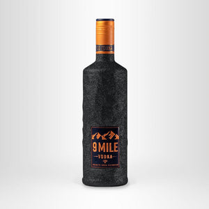 9 MILE Vodka Limited Edition, 0,7l Tiefschwarz
