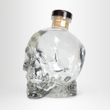 Laden Sie das Bild in den Galerie-Viewer, Crystal Head Vodka