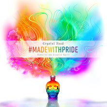 Laden Sie das Bild in den Galerie-Viewer, Crystal Head Vodka PRIDE Limited Edition, 0,7l + greatr® Community-Maske Pride GRATIS