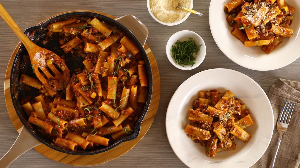 Rigatoni with Meat Sauce