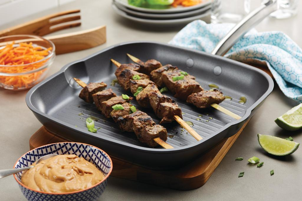 Steak Kabobs with Peanut Sauce