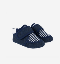 Load image into Gallery viewer, Knitted indoor baby shoes