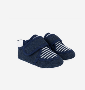 Knitted indoor baby shoes