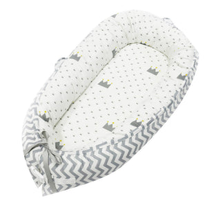 Removable and washable newborn bed