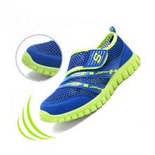 Load image into Gallery viewer, Mesh children's sports shoes