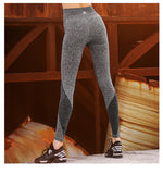 woman-wears-stretchy-workout-leggings-grey