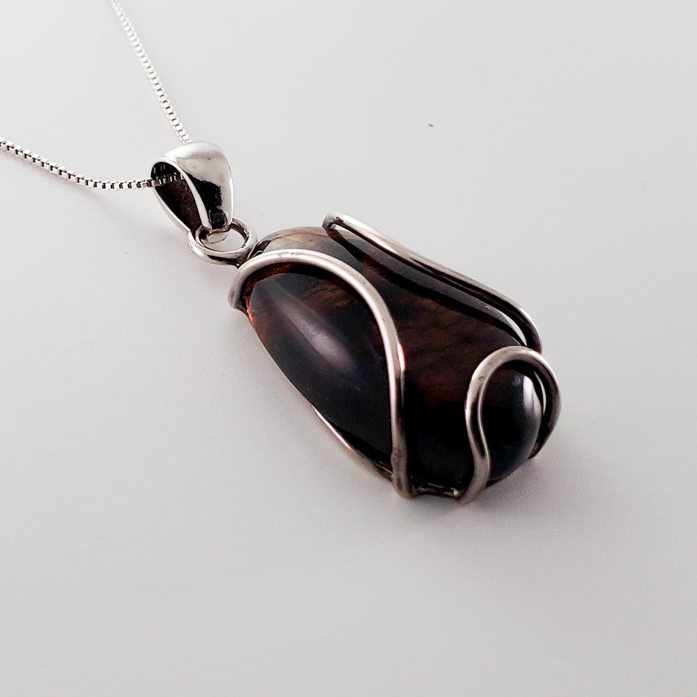 Oval Amber Pendant, Taylor