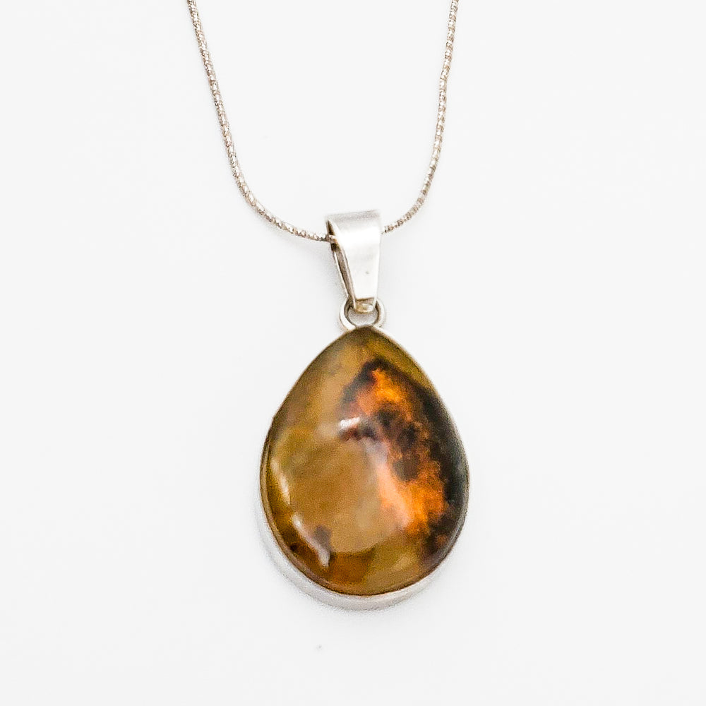 Oval Amber Pendant, Marlin