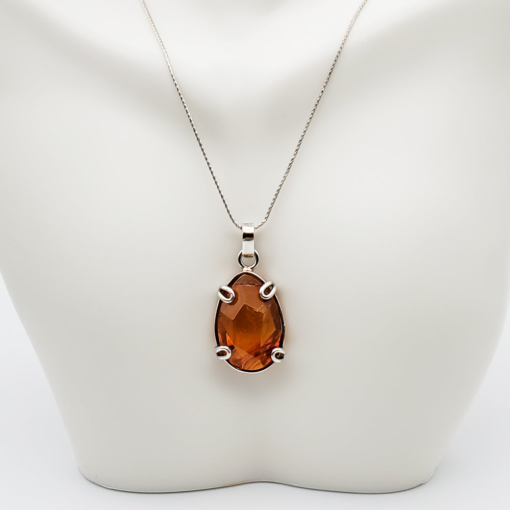 Oval Amber Pendant, Meredith