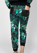 Load image into Gallery viewer, Emerald Printed Pants with side stripes