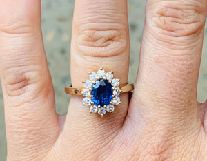 Women's sapphire and diamond flower gold ring